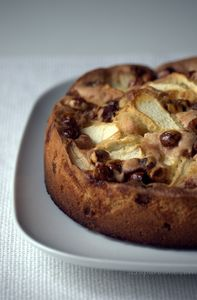 Ciasto z jabłkami i orzeszkami w karmelu