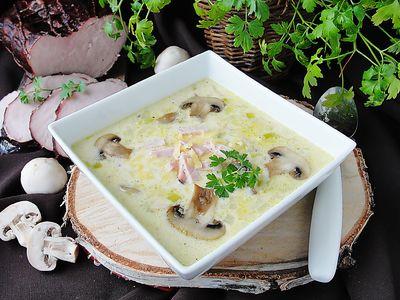 Zupa porowa z szynką i pieczarkami