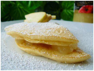 omlet biszkoptowy z musem jabłkowym