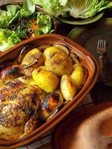 Kurczak i ziemniaki w garnku rzymskim