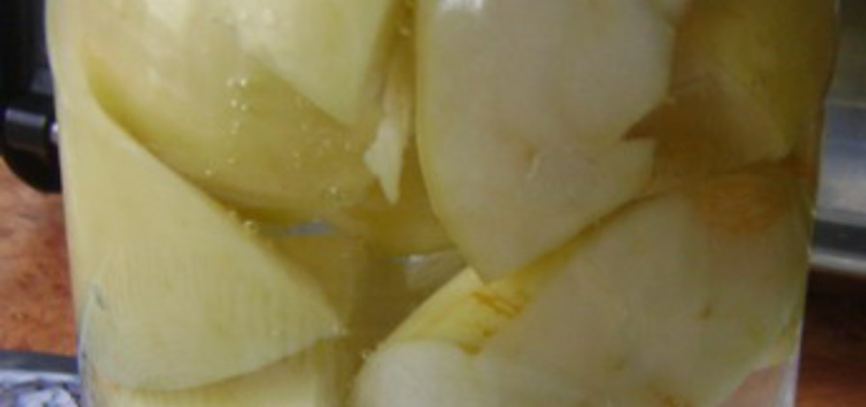 Kompot z jabłek w słoiki na zimę. (autor: izabelabella81 ...