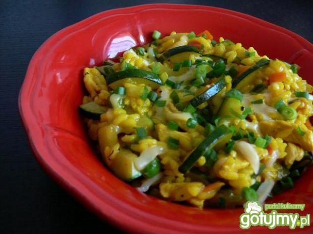 Przepis  żółte risotto z kurczakiem i cukinią przepis