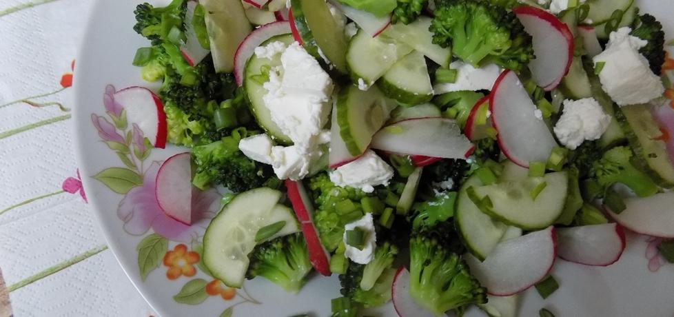 Sałatka z brokułem i fetą (autor: monikaw)
