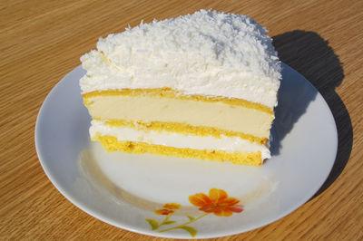 Tort śmietanowo