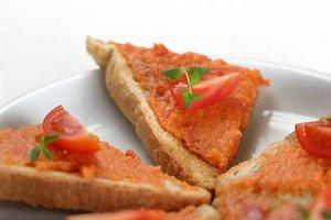 Tost pomidorowy  prosty przepis i składniki