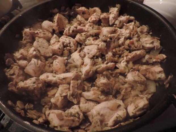 Przepis  potrawka z kurczaka i pieczarek przepis