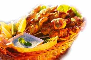 Szaszłyki z kurczaka z sosem ziołowym