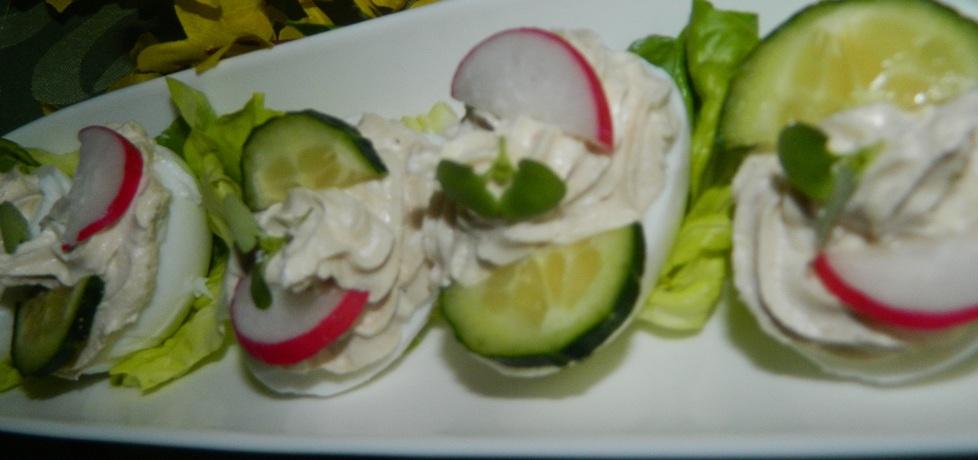 Jajka faszerowane białym serem i tuńczykiem (autor: bietka ...