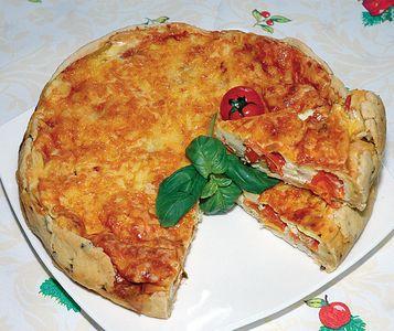 Pikantne ciasto pomidorowe