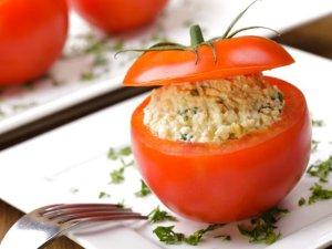 Pomidory faszerowane pastą jajeczną