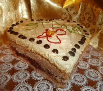 Tort urodzinowy dla męża w kształcie serca