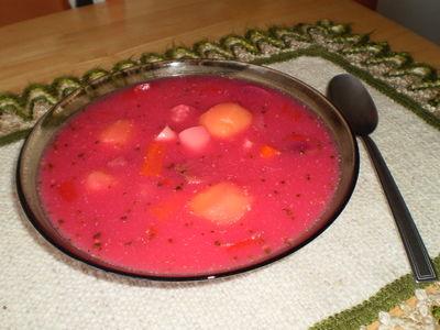 Zupa z buraków z papryką i pieprzem cayenne