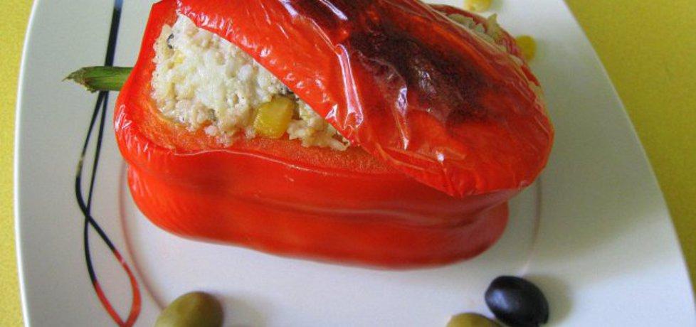 Papryka faszerowana kolorami (autor: yvonne)