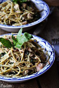 Spaghetti ze szpinakiem i łososiem w sosie śmietanowym