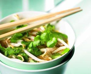 Zupa wietnamska z wieprzowiną  prosty przepis i składniki