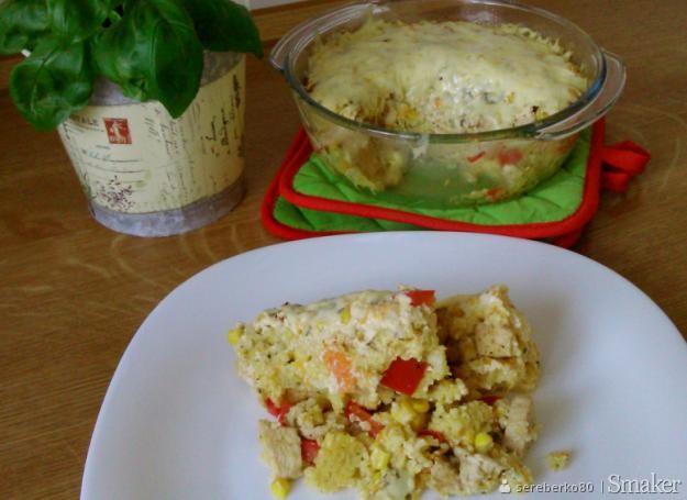 Zapiekanka z kaszy jaglanej z warzywami i kurczakiem