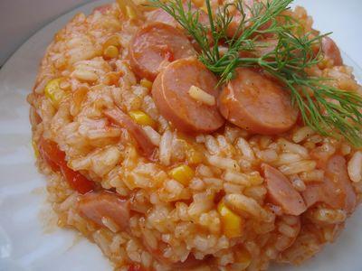 Potrawka ryżowa z parówkami