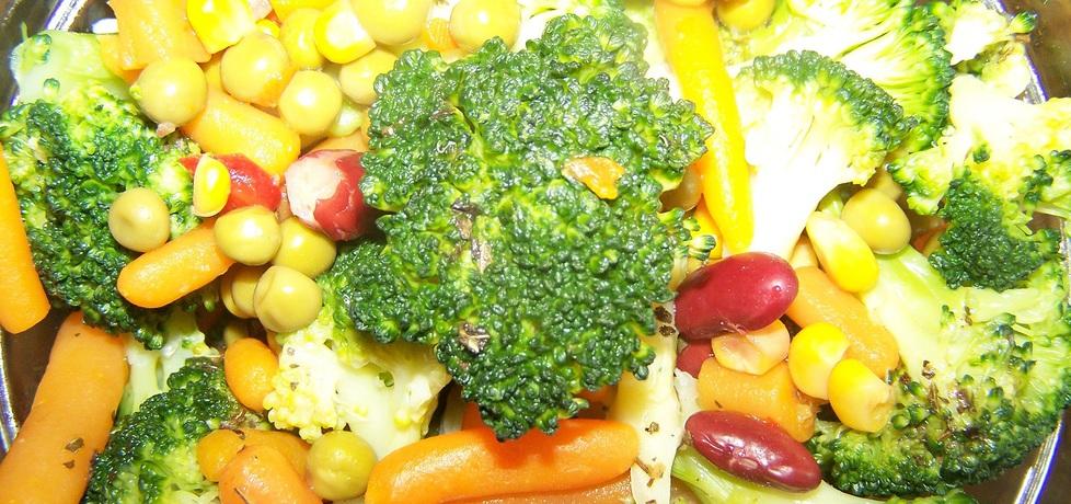 Sałatka z brokułem (autor: dorota37)