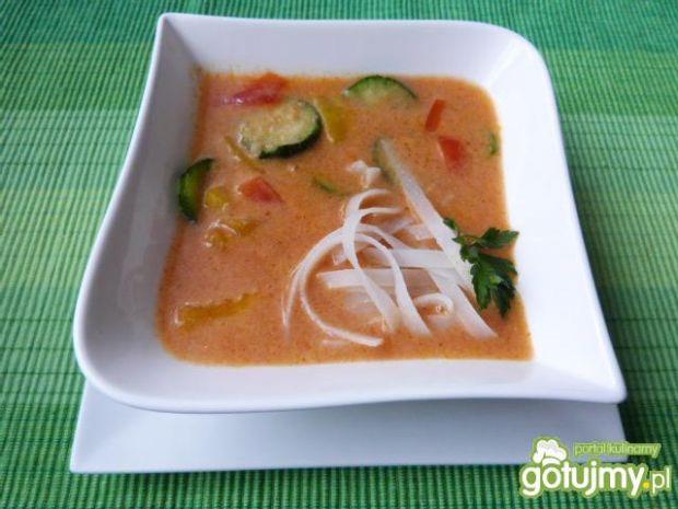 Kulinarne abc: zupa pomidorowa z makaronem ryżowym. gotujmy.pl