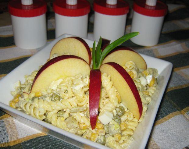 Przepis  sałatka makaronowa z jajkiem przepis
