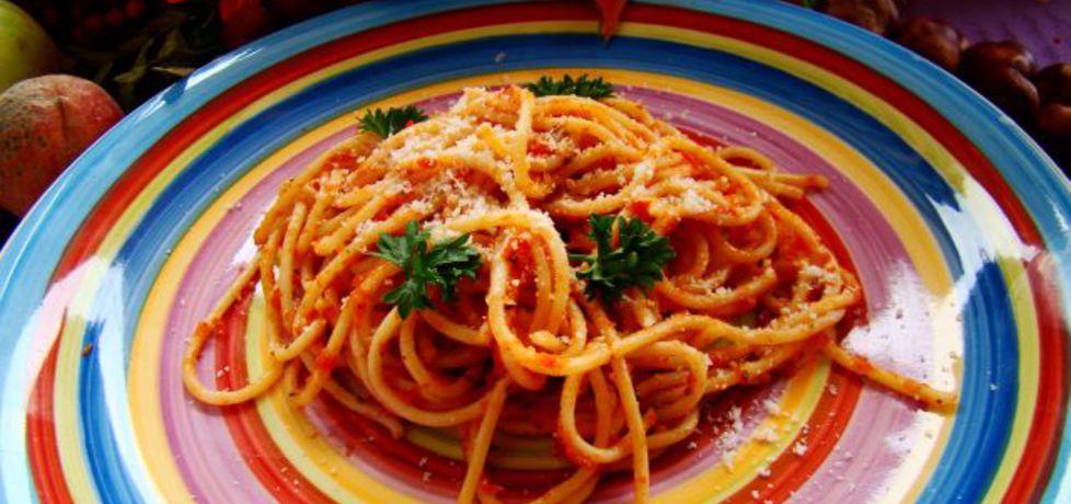Makaron spaghetti z pomidorowym sosem (autor: iwa643 ...