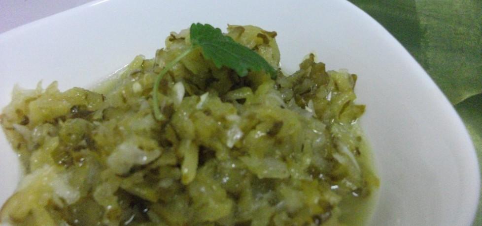 Ogórki kiszone z cebulką do obiadu (autor: adelajda ...