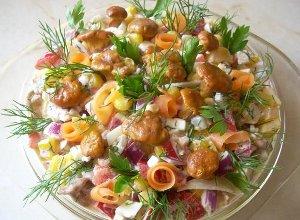 Sałatka z kurkami  prosty przepis i składniki