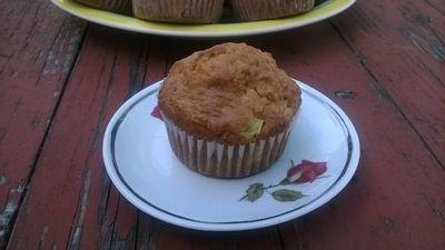 Muffinki owsiane z rabarbarem