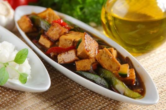 Tofu z cukinią i papryką w 5 smakach