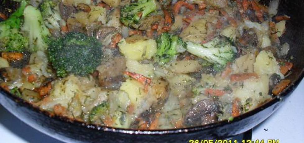 Warzywa na patelnię z fetą (autor: hastalavista)