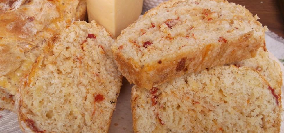 Chleb z suszonymi pomidorami i serem żółtym. (autor: babeczka35 ...