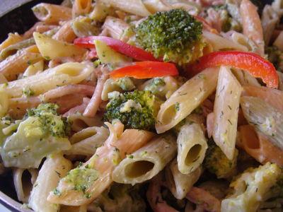 Makaron z brokułem w sosie serowo