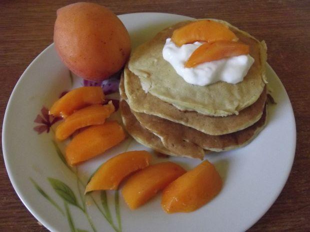 Przepis  pancakes na maślance z morelami przepis