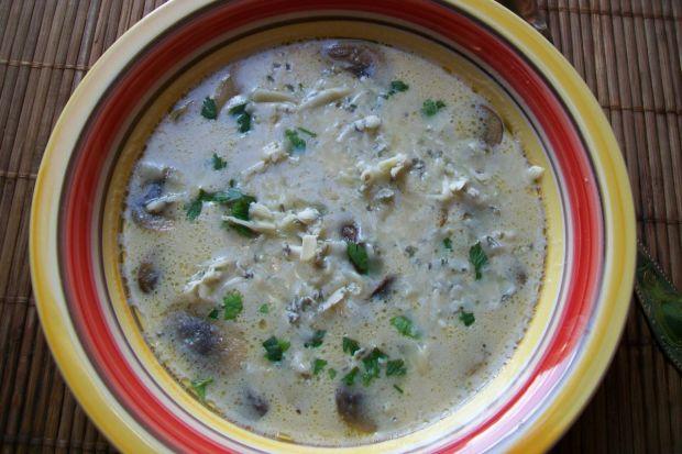 Przepis  zupa pieczarkowa z serem pleśniowym przepis