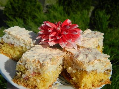 Ciasto ucierane z bezą kokosową