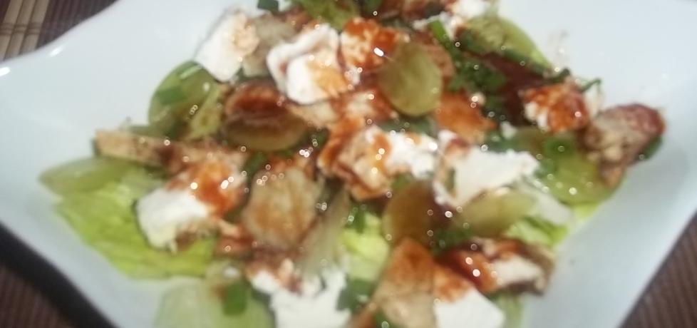 Sałatka z kurczakiem, fetą i winogronami (autor: beatris ...