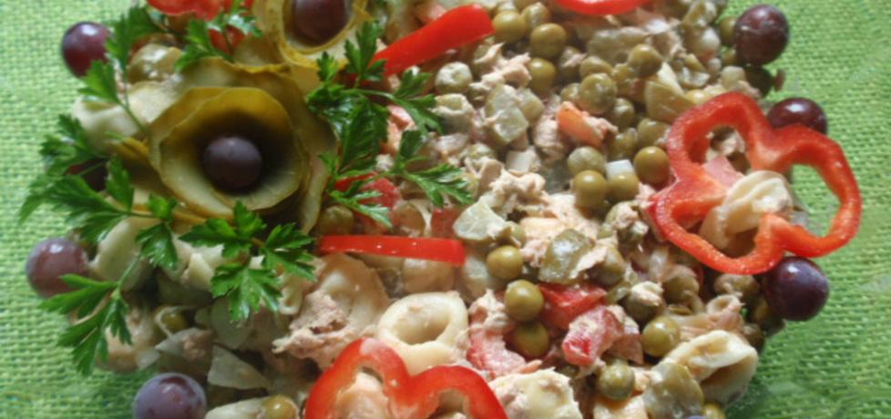Sałatka z tortelini i tuńczyka (autor: gosia56)