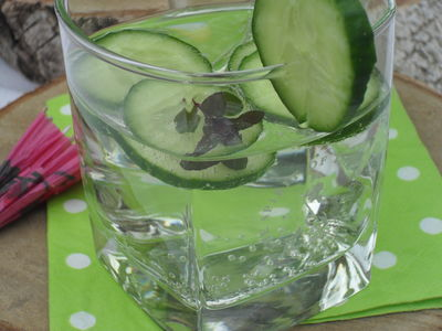 Orzeźwiający drink z ogórkiem