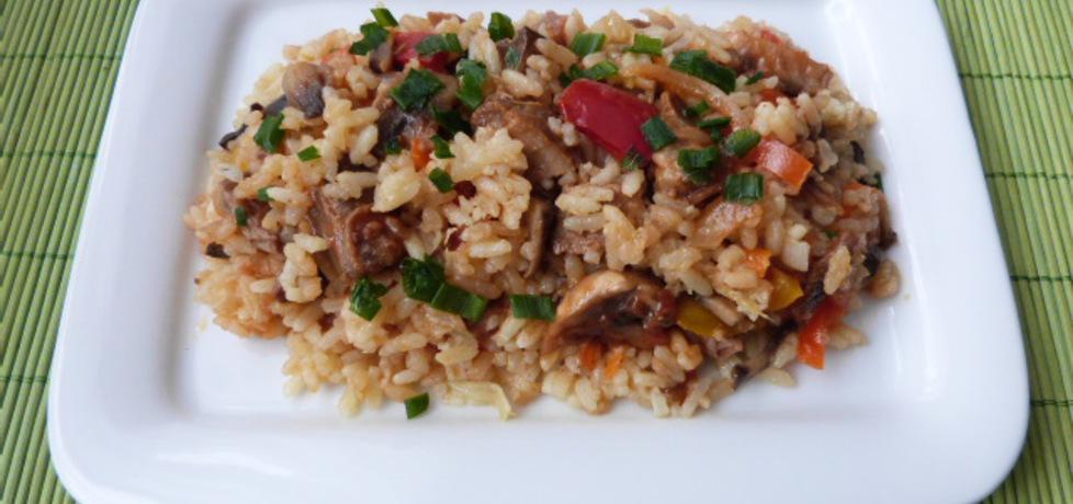 Ryż z pieczarkami i warzywami (autor: renatazet)