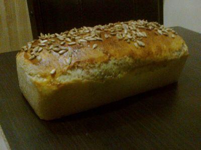 Chleb z orzechami i słonecznikiem