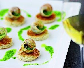 Ślimaki po burgundzku z masłem czosnkowo-ziołowym
