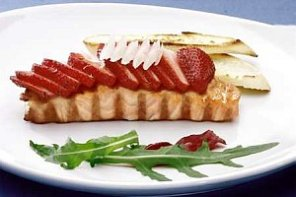 Łosoś zapiekany z truskawkami  prosty przepis i składniki