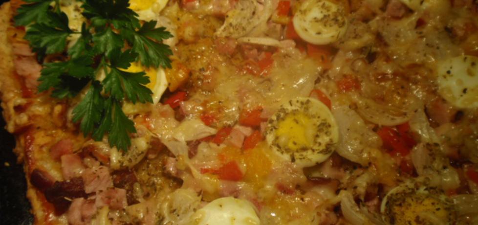 Pizza na ciescie twarogowym z jajkiem (autor: gosia56 ...