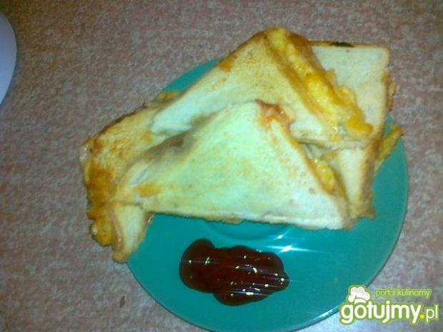 Przepis  pszenne tosty z kiszonym ogórkiem przepis