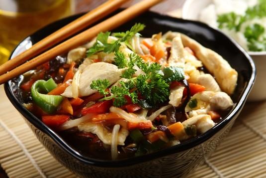 Kurczak po chińsku z mrożonymi warzywami jak zrobić?  zobacz na ...