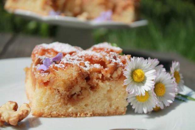 Przepis  pszczółka- ciasto ucierane z orzechami przepis