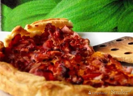 Tarta marchewkowa z szynką na cieście francuskim