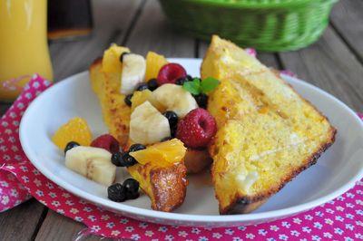 Pieczone tosty z owocami