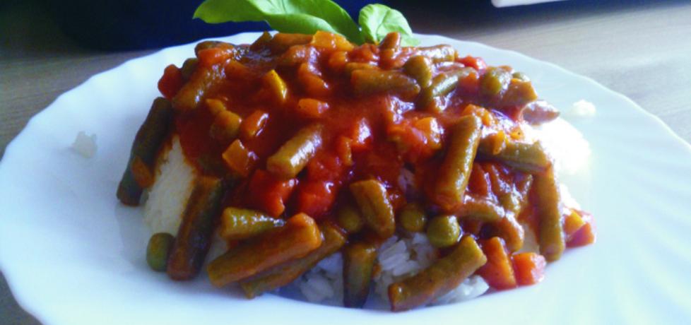 Ryż z warzywami w sosie pomidorowym. (autor: peppermint91 ...