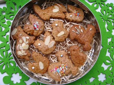 Ciasteczka korzenne z płatkami migdałowymi